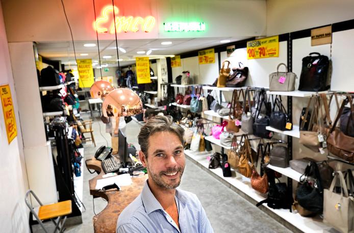 Michiel van de Meerakker in de winkel in Eindhoven.