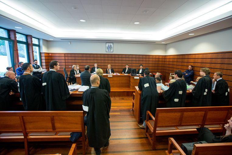Veertien, vooral Antwerpse strafpleiters, moesten zich al bij de onderzoeksrechter in Mechelen verantwoorden voor hun rol in een drugsonderzoek tegen een Marokkaanse familie.