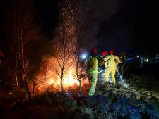 Drie voetbalvelden aan natuur verbrand in De Peel, vuur is gedoofd