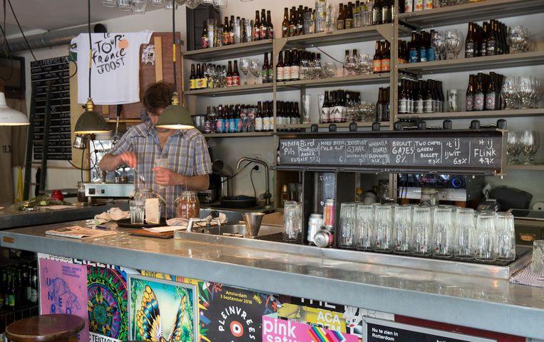 Bar Joost in de Molukkenstraat Beeld JW Kaldenbach