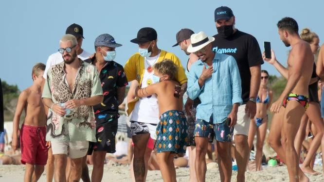 Familieman Neymar met zoontje op vakantie in Spanje, waar ook landgenoot Ronaldo geniet van de zon