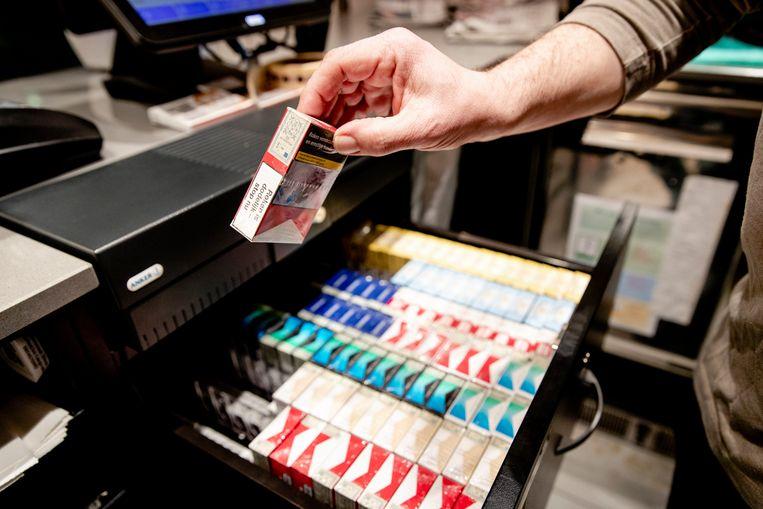 De Nederlandse bevolking steunt het overheidsbeleid om sigaretten duurder te maken. Beeld Hollandse Hoogte /  ANP