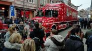 Volkstoeloop voor Coca Cola-kersttruck