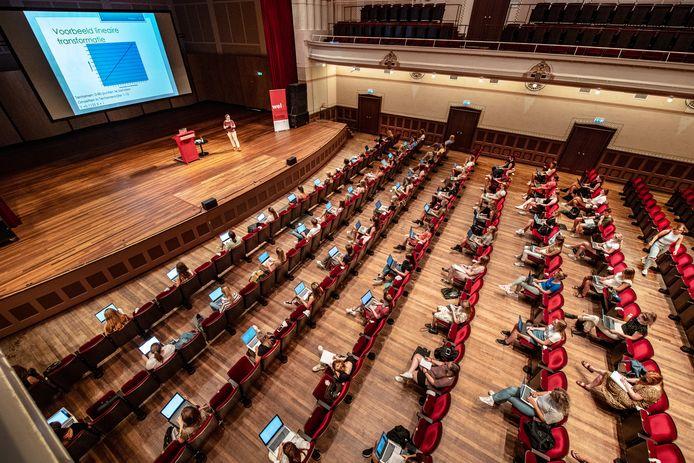 College van de Radboud Universiteit in concertzaal de Vereeniging.
