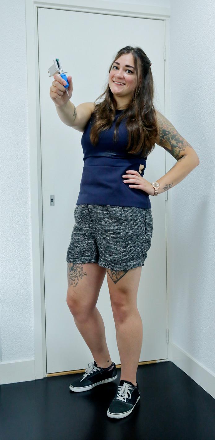 Dordtse Amy 26 De Eerste Tattoo Die Ik Zette Doodeng