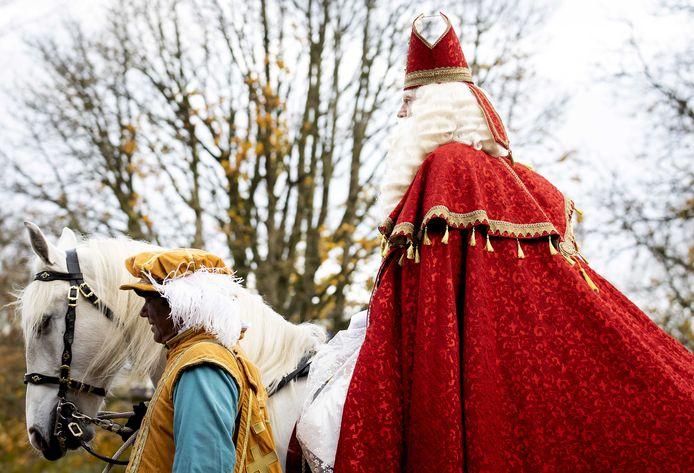 De Spaanse goedheiligman maakt zaterdag een klein, coronaproof rondje door Wezep.