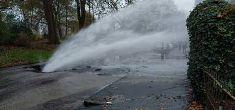 Duizenden liters water ruïneren huis van Bart en Petra: 'Zelfs de bakstenen zijn eruit gespoten'