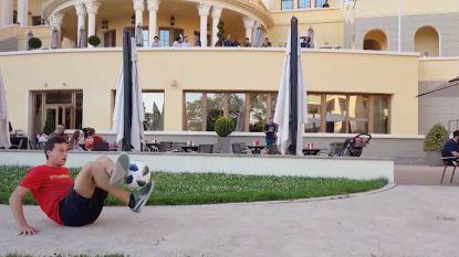 Belgisch kampioen Panna toont zijn skills aan Neymar. Braziliaanse vedetten starten met filmen