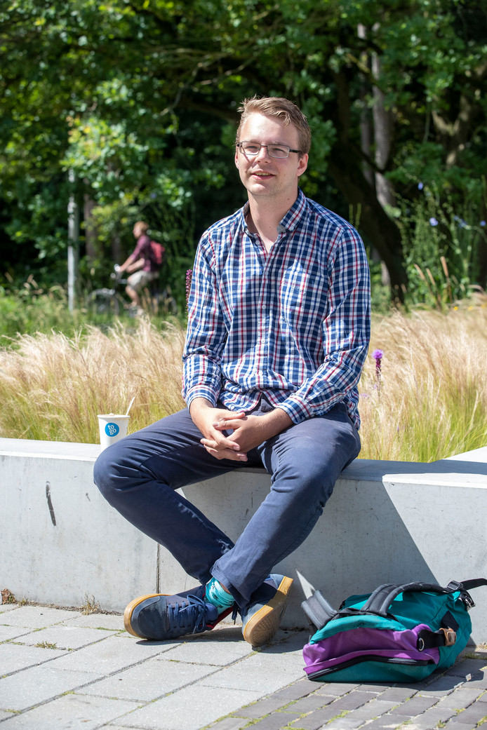 Walter Baas op de Campus Plaza in Wageningen