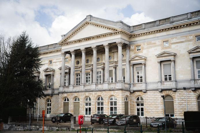 De man moest verschijnen voor het hof van beroep in Gent.