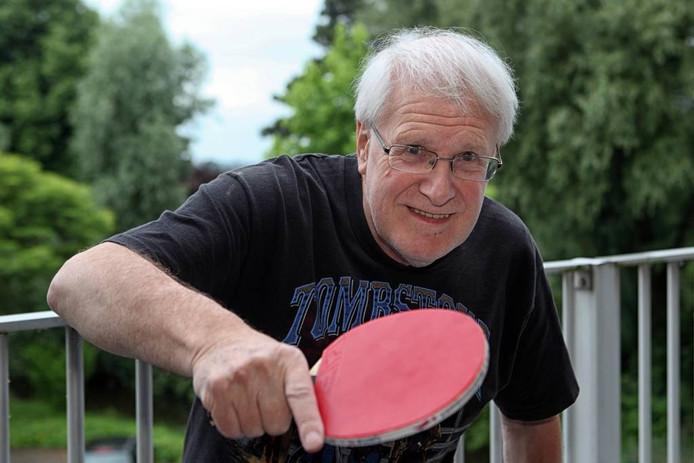 Paul Kil was in 1956 een van de oprichters van de Tennis Club Steenbergen. Al die tijd is hij voorzitter gebleven. foto chris van klinken/pix4profs