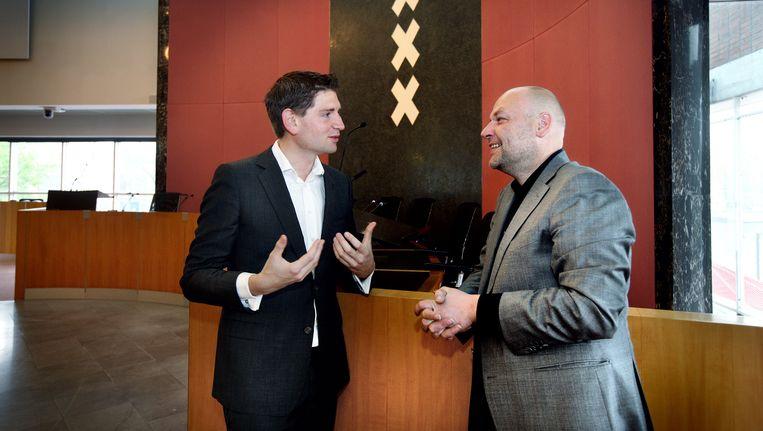 Rutger Groot Wassink van GroenLinks (rechts) zou bij nieuwe verkiezingen de grote winnaar zijn. Jan Paternotte van D66 (links) kan de enorme winst uit 2014 niet vasthouden. Beeld Jean-Pierre Jans