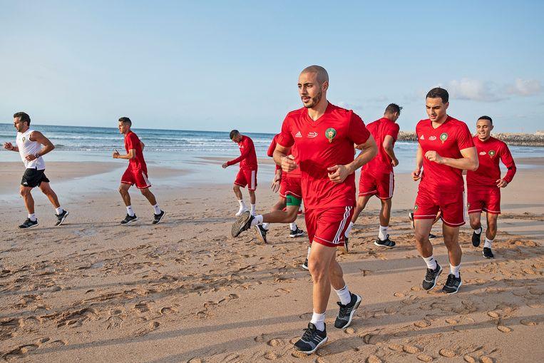 Het Marokkaanse elftal bereidt zich voor op het WK in Rusland.  Beeld Guus Dubbelman / de Volkskrant