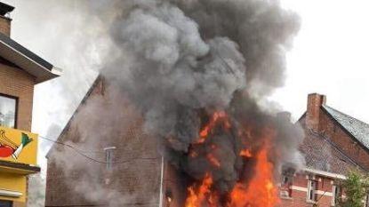 Woning totaal verwoest na uitslaande brand
