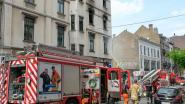 Vrouw redt bewoners uit brandend appartementsgebouw
