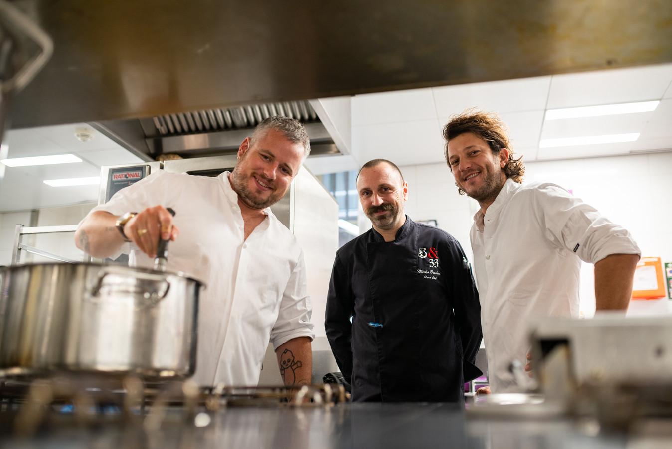 Nirko Bischeri met Guillaume de Beer en Freek van Noortwijk.
