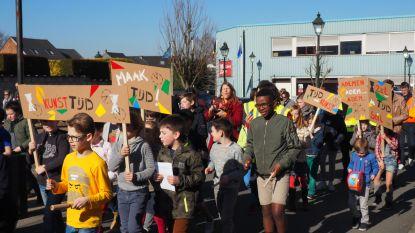 Opvallende actie rond muziekacademie: leerlingen betogen voor meer (kunst)tijd