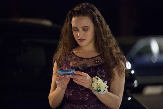 Katherine Langford als Hannah Baker.