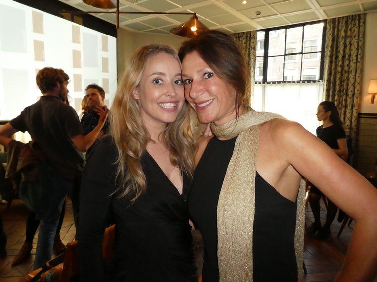 Tanja Kok (auteur Help, ik ben model) en Janneke Siebelink (bol.com). Ook yoga van de zaak?