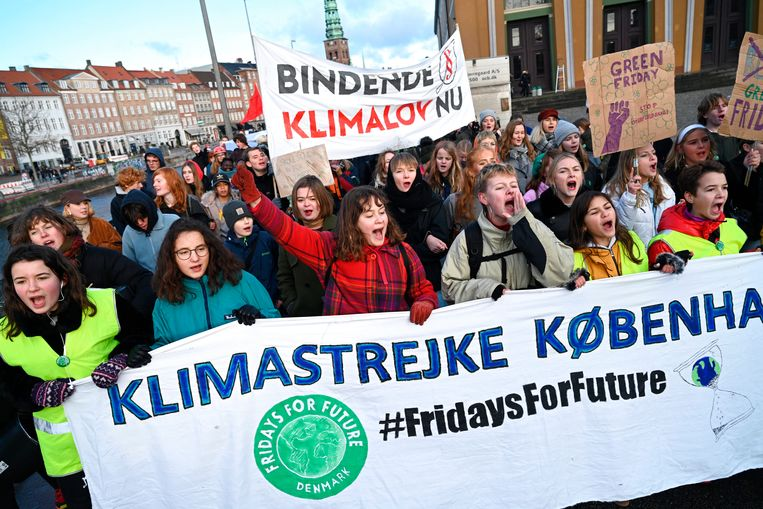 Jonge Denen gingen 29 november de straat op om politici aan te zetten tot actie met betrekking tot de klimaatproblematiek.