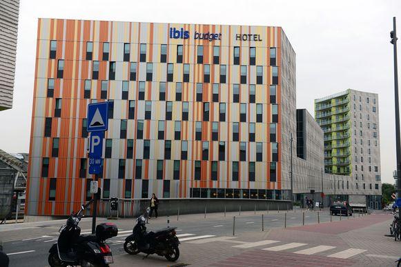 Het Ibis hotel op de Martelarenlaan in Kessel-Lo waar de vluchtelingen worden opgevangen.