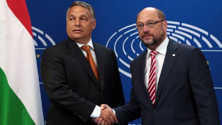 Hongaars premier Viktor Orban (links) met Europees Parlementsvoorzitter Martin Schulz.