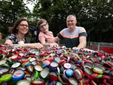 Met de doppen van Sven hoopt Melle weer naar de kinderboerderij te kunnen gaan