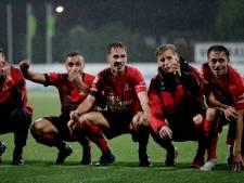 Helmond Sport veert op dankzij invallers Zwanen en Snepvangers en verslaat tiental MVV