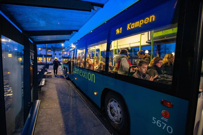 Dit keer vanaf het begin van het nieuwe schooljaar extra bussen op lijn 141 naar Kampen.