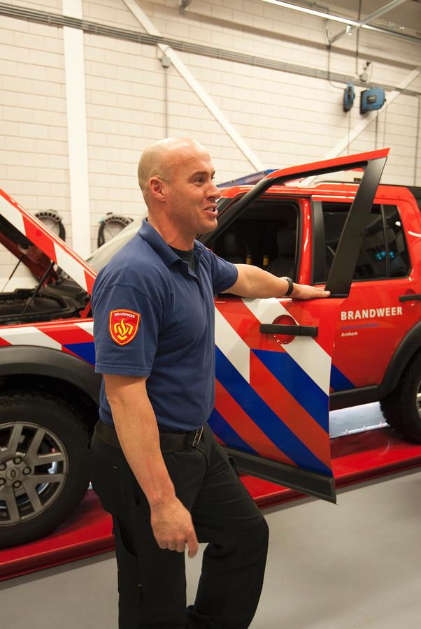 Brandweerman Bjorn Boekhorst is bijzonder tevreden met zijn nieuwe werkplek.