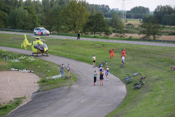 De wielrenner viel vlakbij de Ketelbrug