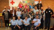 Rode Kruis Olen blaast 75 kaarsjes uit en schenkt drie hartstarters aan gemeente