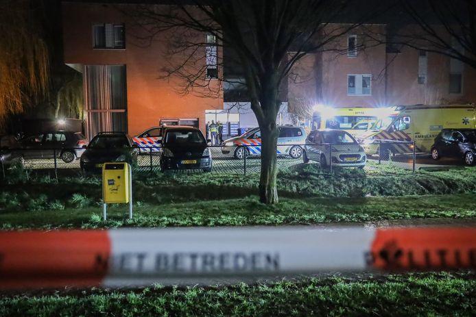 Hulpdiensten bij de RIBW in Wageningen na het incident.