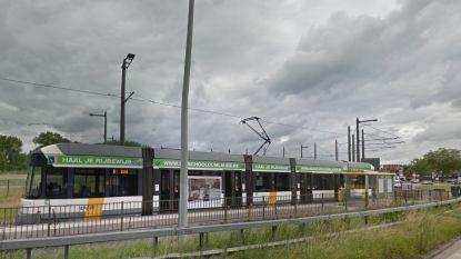 Zes minderjarigen takelen tramchauffeur stevig toe in het Antwerpse