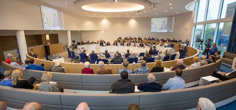 Verjonging in Almelose gemeenteraad? Het lijkt er vooralsnog niet op