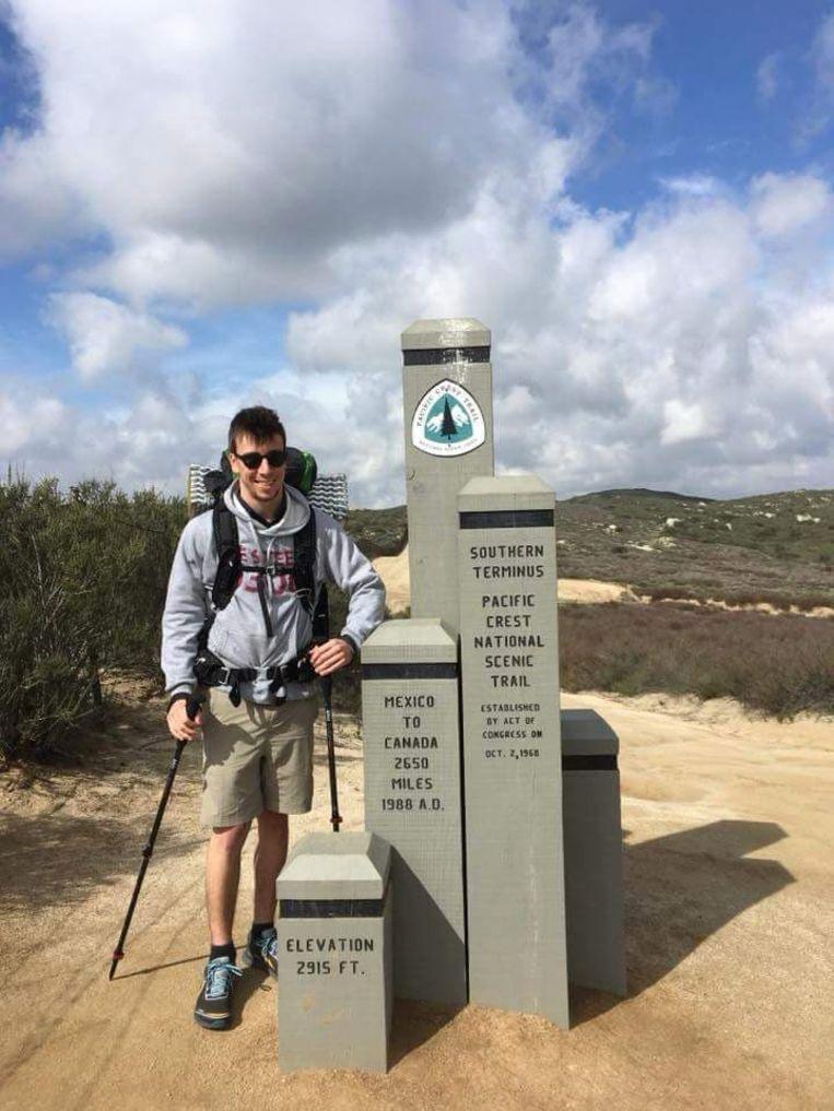 Niels De Groot voor de start van zijn trip aan de grens met Mexico.