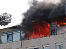 Drie gewonden bij grote brand in woonzorgcentrum Reyshoeve in Tilburg