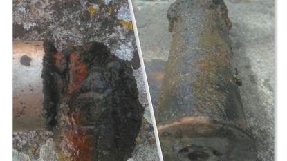 """Magneetvisser vist handgranaat uit wereldoorlog op: """"Twee weken geleden heb ik op exact dezelfde locatie nog een antitankgranaat boven gehaald"""""""