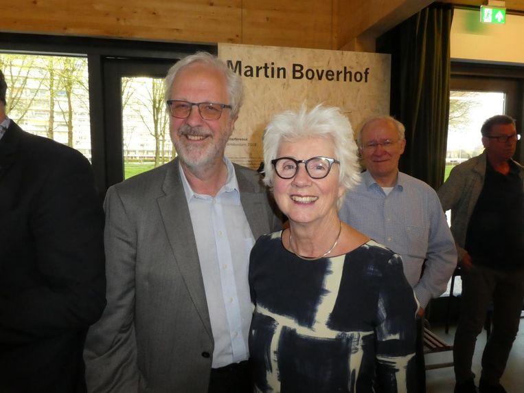 Fred Martin en Ineke Teijmant, de voltallige stichting De Driehoek. Beeld Hans van der Beek