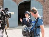 Filmopnames met Britt Dekker trekken veel bekijks