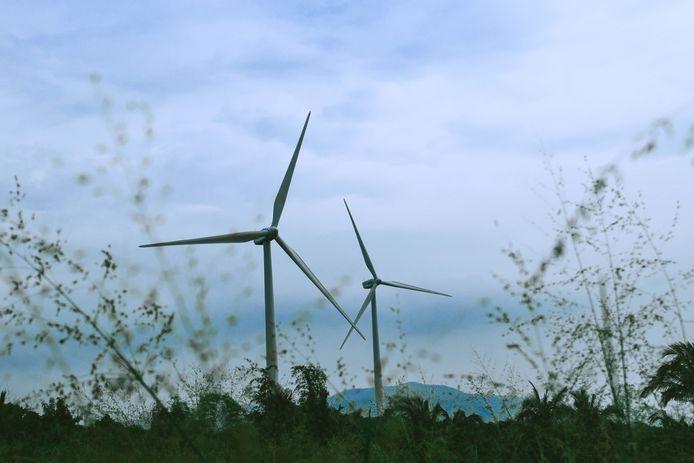 Koste wat het kost moet worden voorkomen dat Voorne-Putten een eiland wordt dat volstaat met windmolens.