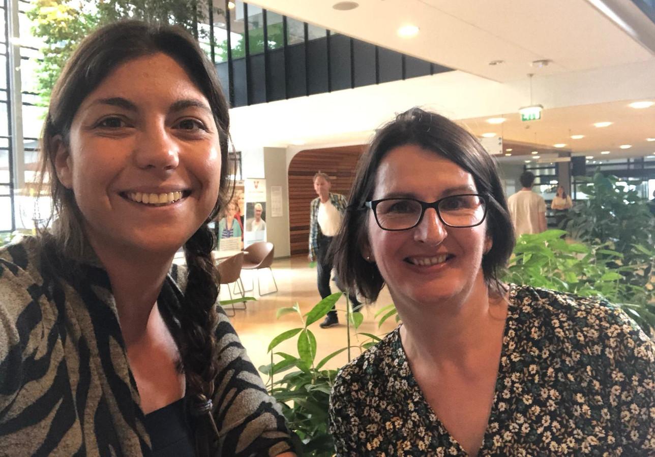 Dominique van Gessel (links) en Jolanda Kole maakten kort voor de operatie nog een vrolijke selfie.