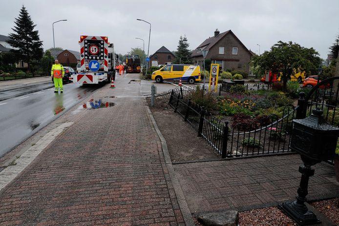 De gestrande vrachtwagen in Sint Hubert.