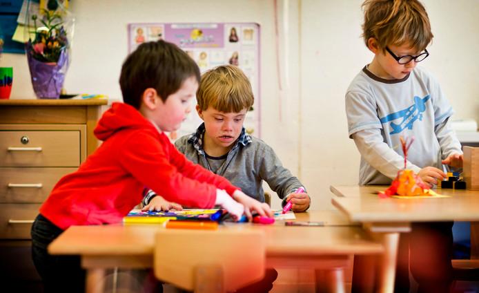 Bij passend onderwijs krijgen zorgleerlingen ondersteuning binnen het reguliere onderwijs.
