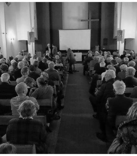 500 bezoekers bij documentaire bombardement Enschede