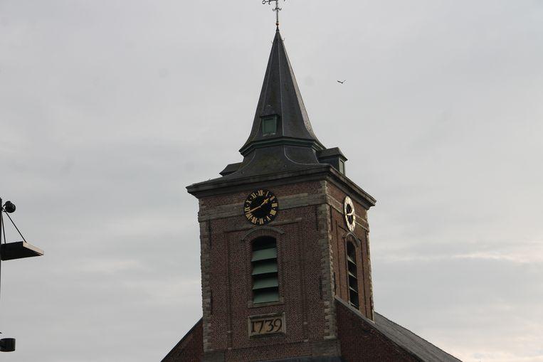 Het uurwerk van de Sint-Amanduskerk.
