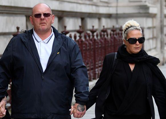De ouders van de doodgereden Harry (19): Tim Dunn (links) en Charlotte Charles.