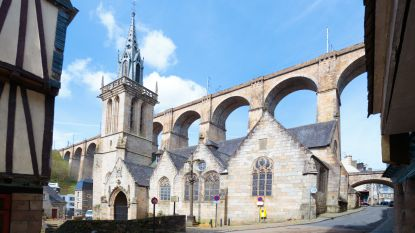 """Vier gezinsleden """"gewelddadig om het leven gebracht"""" in Bretagne"""
