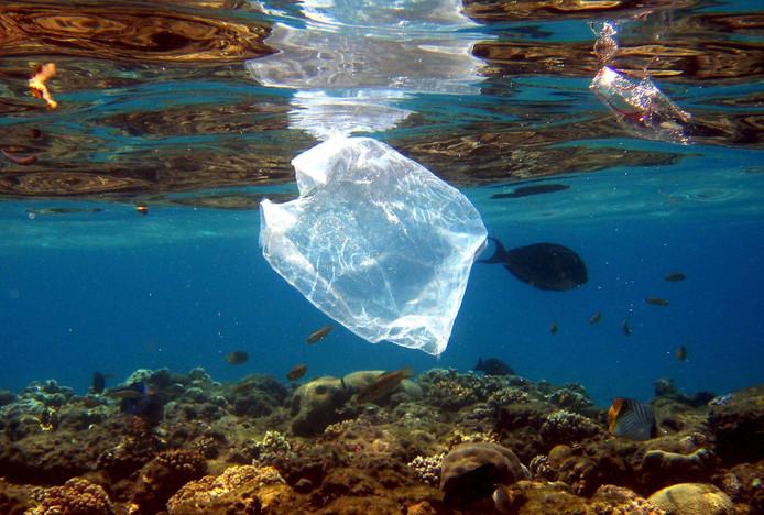 'Willen we nog meer plastic soep voorkomen, dan moeten we goed voor ogen houden waar het probleem wordt veroorzaakt.'