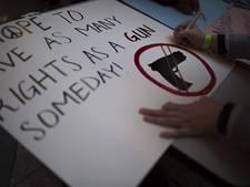 Protest op Museumplein tegen Amerikaans wapengeweld